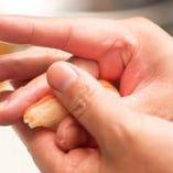 握り寿司は一貫よりご注文OK。おすすめの彩り握り盛り合わせも