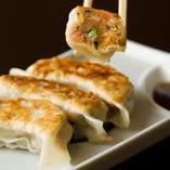 山椒塩で食べる鶏肉と春雨の大人気!手作り餃子