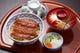 うなぎ丼は竹亭の味を気軽に味わえる一品です。