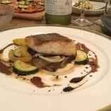 旬の白身魚を使用「白身魚のムニエル バルサミコソース」
