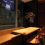 【個室】夜景の見える窓際の個室のお席