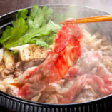 【和牛と地鶏のすき焼き】 冨々厳選の和牛と地鶏を出汁まで満喫