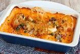 海老と里芋とれんこんのトマトクリームグラタン
