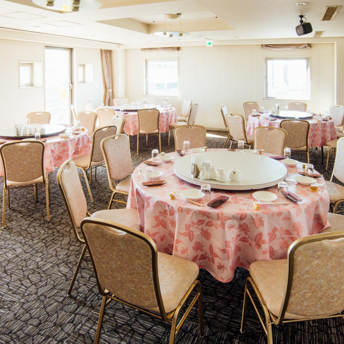 フロア貸切は、20名様〜着席70名様/立食100名様までご利用可能。
