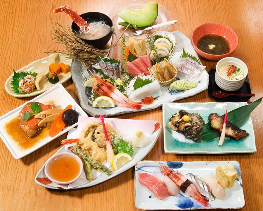 すし懐石コース☆お値打ちの価格で多様な海鮮を召しあがれます。