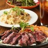 自慢の熟成肉をご堪能ください♪飲み放題付きコース 3,500円~!