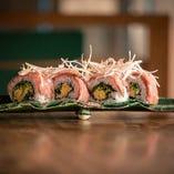 【本格寿司】 当店オリジナルの創作寿司も。