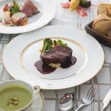 【ランチコース5,400円】肉&魚料理 ダブルメインの本格コース