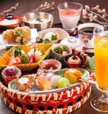 【京風花籠膳】~湯葉・生麩など京食材を華やか籠盛りで♪デザート付~