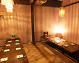 6~20名様迄御利用頂ける、シャンデリアが輝く完全個室。