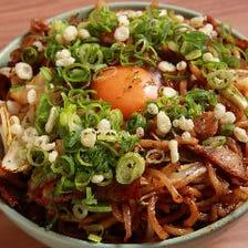 モチモチ麺とソースが相性ピッタリ!