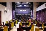 会場レイアウトは人数やシーンに合わせて柔軟に対応可能です。パーティー4名様テーブル仕様。