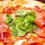 【イタリアン】 美味しい肉料理と合わせて自慢のピザをどうぞ!