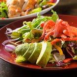 ズワイ蟹とアボカドのサラダ~カニ味噌ドレ~