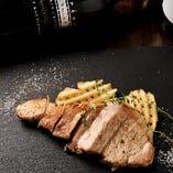熟成豚の炭火ステーキ