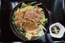 亀そば名物 野菜たっぷり肉野菜そば