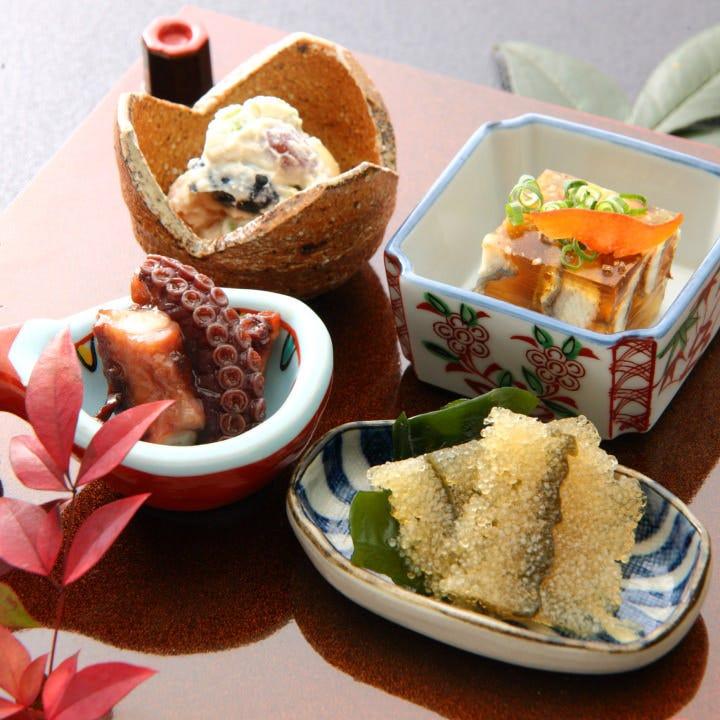 季節感あふれる美しい盛り付けと格別の味わいを楽しめる前菜盛り