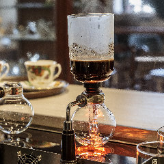 DOLPHIN CAFE LONDON (ドルフィン カフェ ロンドン)