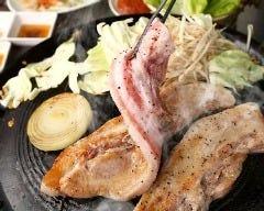 韓国焼肉・サムギョプサル どやじ