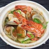今年の海鮮鍋(1人前) ※2人前よりご注文承ります。