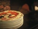 高温の薪窯で焼いた モチモチの本格ピッツァ