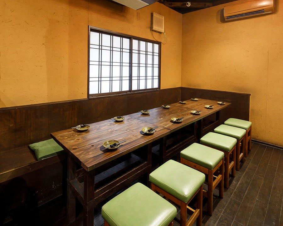テーブル席・完全個室(壁・扉あり)・16名様~35名様