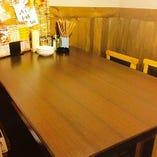 様々な人数でご利用いただけるテーブル席(~6名様)