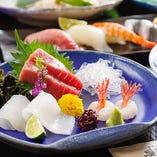 魚屋直営だからこそ鮮度が自慢!毎朝仕入れる美味しい旬の魚貝をお楽しみください。【冬の一例】三点盛(本鮪・スミイカ・甘海老)