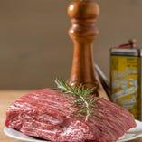 国産野菜・国産黒毛和牛などこだわりの食材を使用してます。