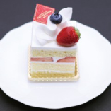 プチ・フルール手作りケーキをお楽しみください