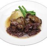 週替わりでお肉料理・お魚料理・パスタをお楽しみいただけます