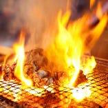 豪快に炭火で焼き上げる桜姫鳥の炭火焼や焼鳥は絶品です!