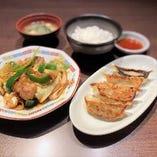 餃子・ホイコーローセット(ご飯セット付)