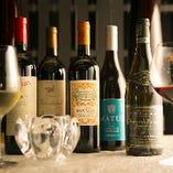 XLVワイン以外にも、世界各地の魅力的なワインをソムリエが厳選