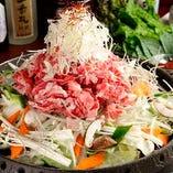 甘めに味付けしたお肉とたっぷりの野菜が楽しめるプルコギも人気