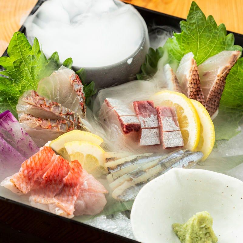 食べ放題ではありませんが、海鮮玉手箱もお楽しみ頂けます!