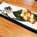 炙り〆鯖と塩辛クリームチーズ
