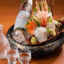 季節の鮮魚が揃う豪華な一皿!
