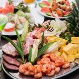 ボリューム満点の料理と3時間飲放題付3,000円(税込)貸切プラン