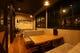 カフェスタイルの1階ソファー席