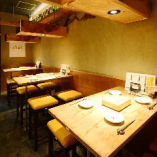 4名様掛けテーブル席×6卓