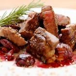 イベリコ豚のグリル 栗の赤ワイン煮添え