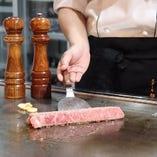 《和牛コース》和牛ヒレ、鉄板海鮮焼き、もやし炒めなど