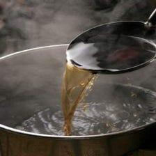 44年変わらぬ醤油ベースの秘伝スープ