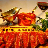 厳選食材のビストロ料理とワインをお楽しみください。