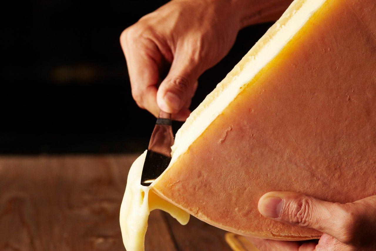 女性に人気のラクレットチーズ♪