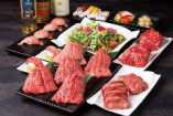 自慢の「極肉」がメインのコースは5種5,000円(税込)~ご用意