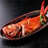 【煮魚】 15年以上の旨味が凝縮した煮汁を使いました。