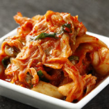 国産野菜を使用したキムチは、一から自社工場で作る完全自家製。