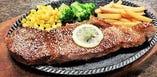 当店ではお肉の旨味と風味を引き出すため、塩・胡椒で味付けしております。